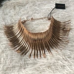 Jewelry - UNIQUE GOLD STATEMENT CHOKER NECKLACE